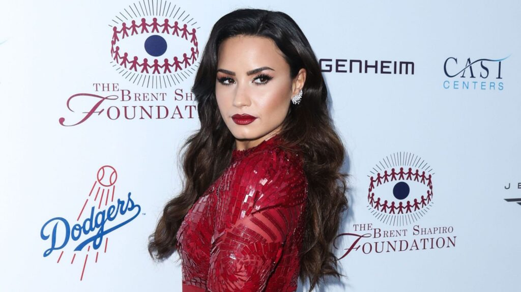 demi-lovato-to-emcee-2020-e-peoples-choice-awards-outlook-india