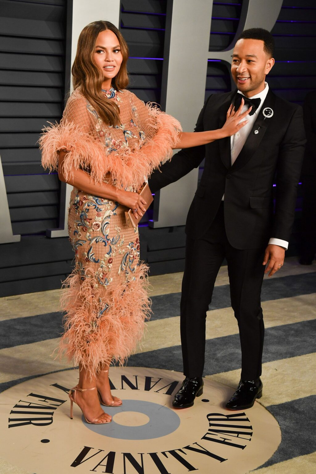 the-voice-all-about-john-legends-career-marriage-to-chrissy-teigen-screen-rant